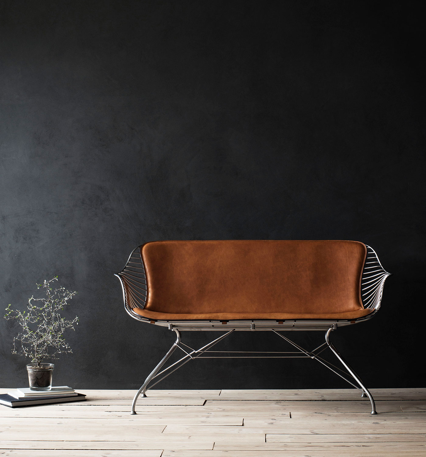 Wire-Lounge-Sofa-Chrome-YeWhiskey-Leather