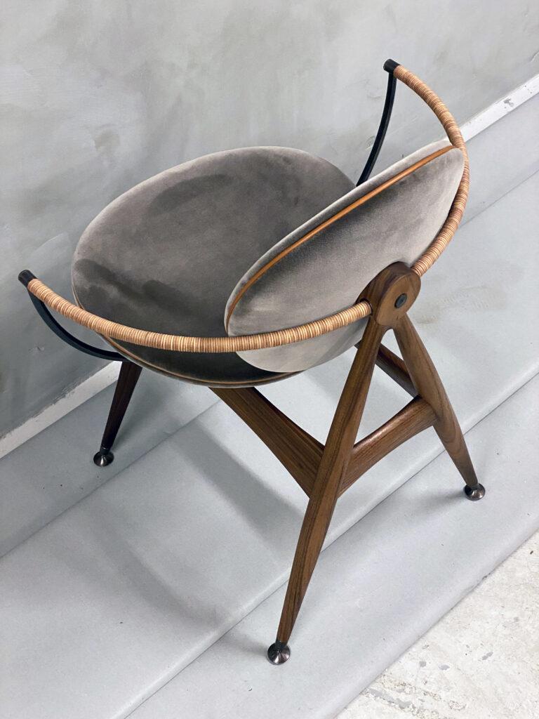 Circle-Dining-Chair-Overgaard-Dyrman-ViennaVelvet-1