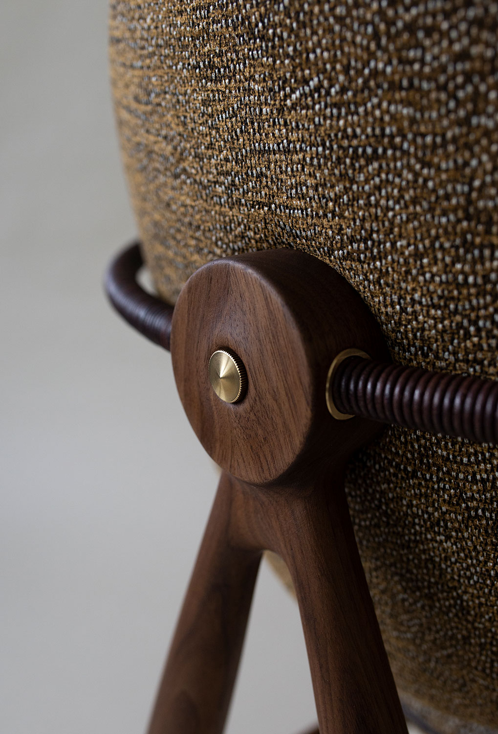 Circle-Dining-Chair-Back-Detail