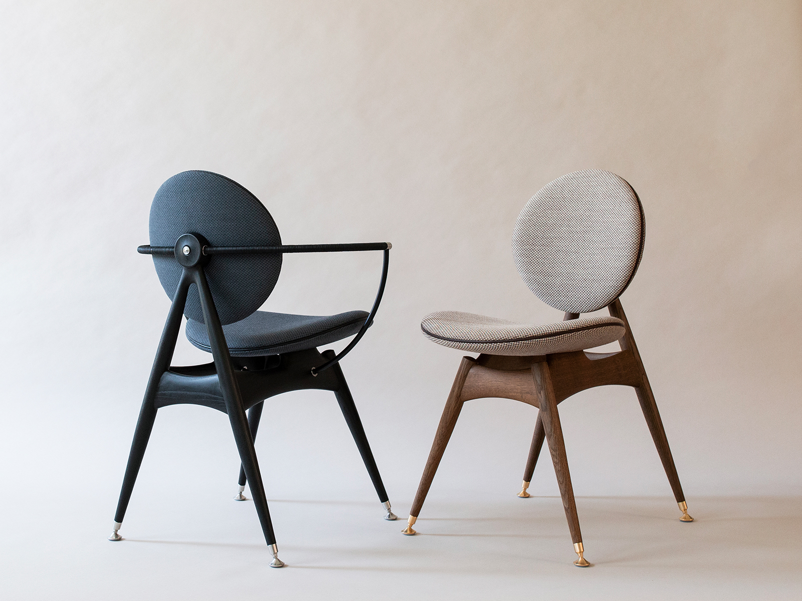 circle dining chairs with and without armrest