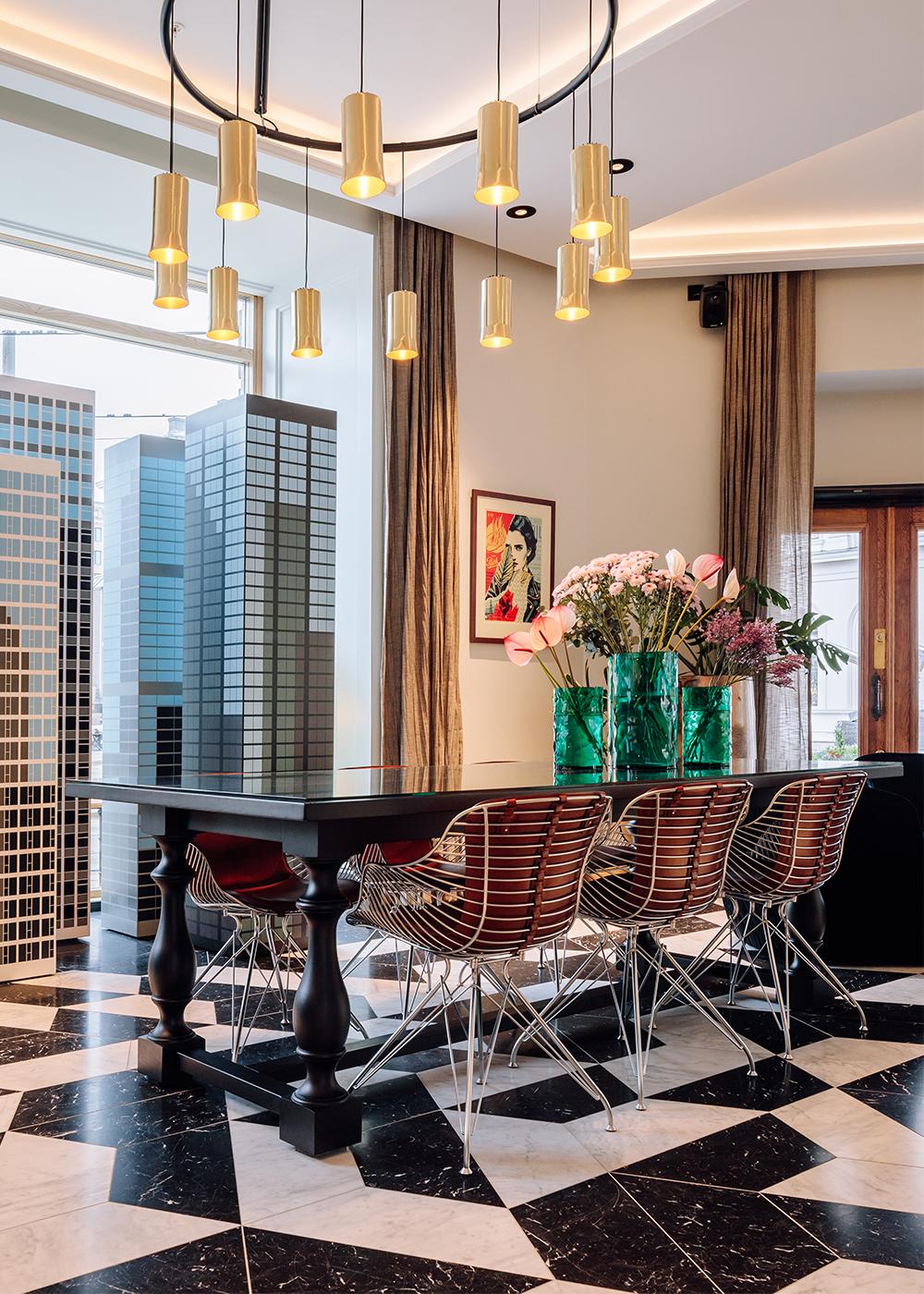 hotel-amerikalinjen-wire-dining-chair-overgaard-dyrman