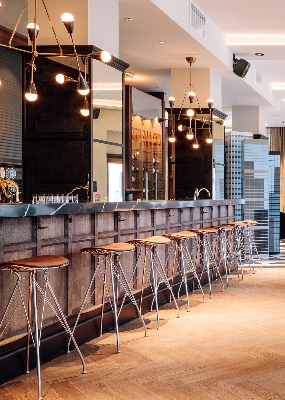 hotel-amerikalinjen-wire-bar-stool-overgaard-dyrman