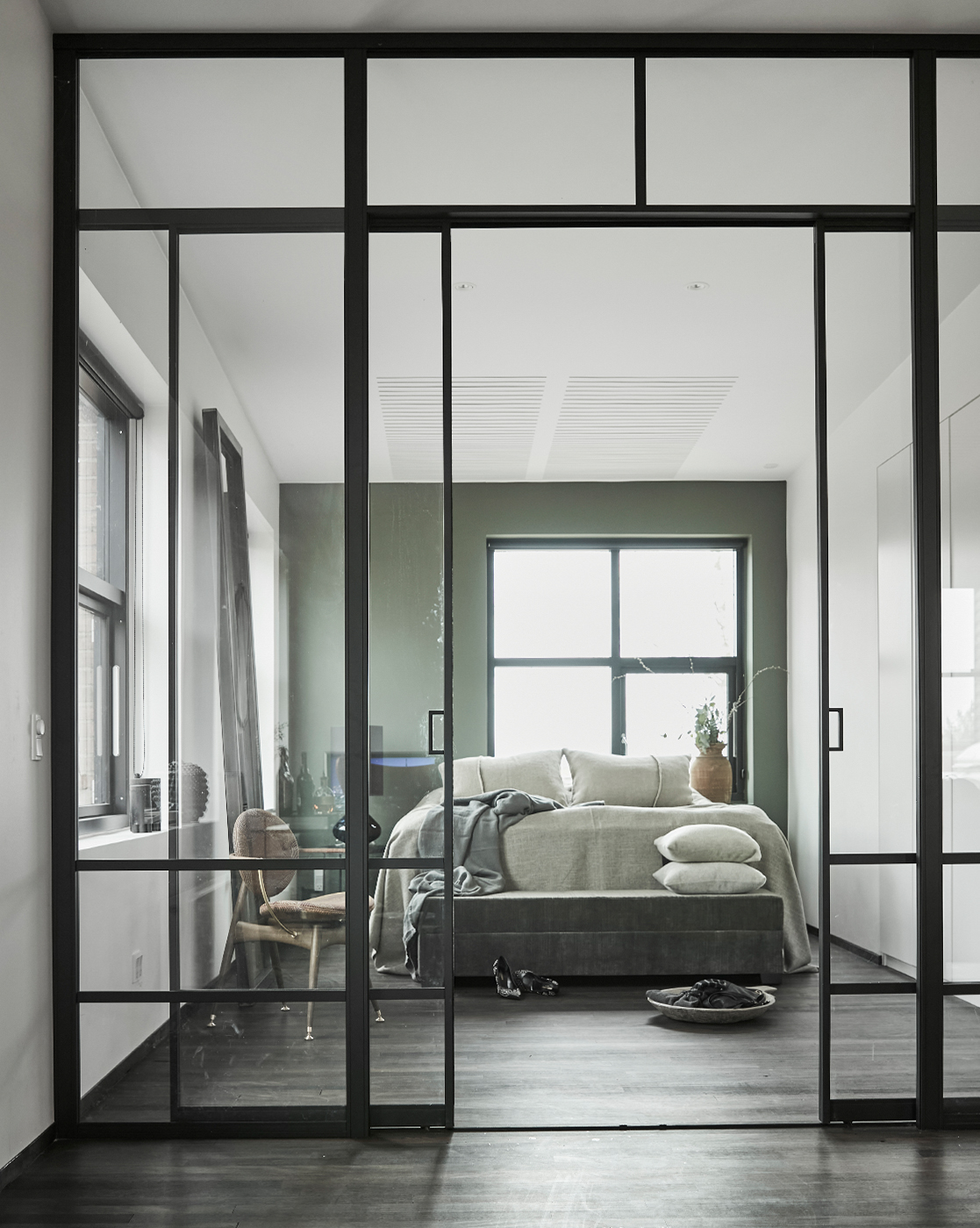 Bedroom and Circle Dining Chair